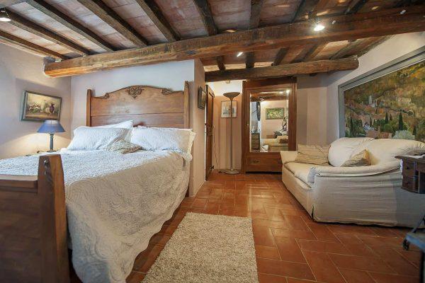30-s574-bedroom